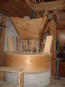 Mahlstein in der Mühle